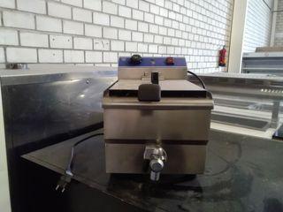 Freidora industrial. Agua/Aceite
