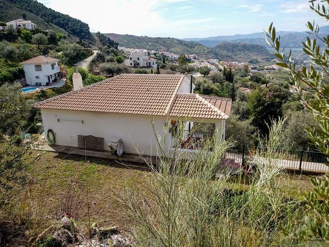 Ref.: V837 Se vende casa rural en Alcaucin (Alcaucín, Málaga)