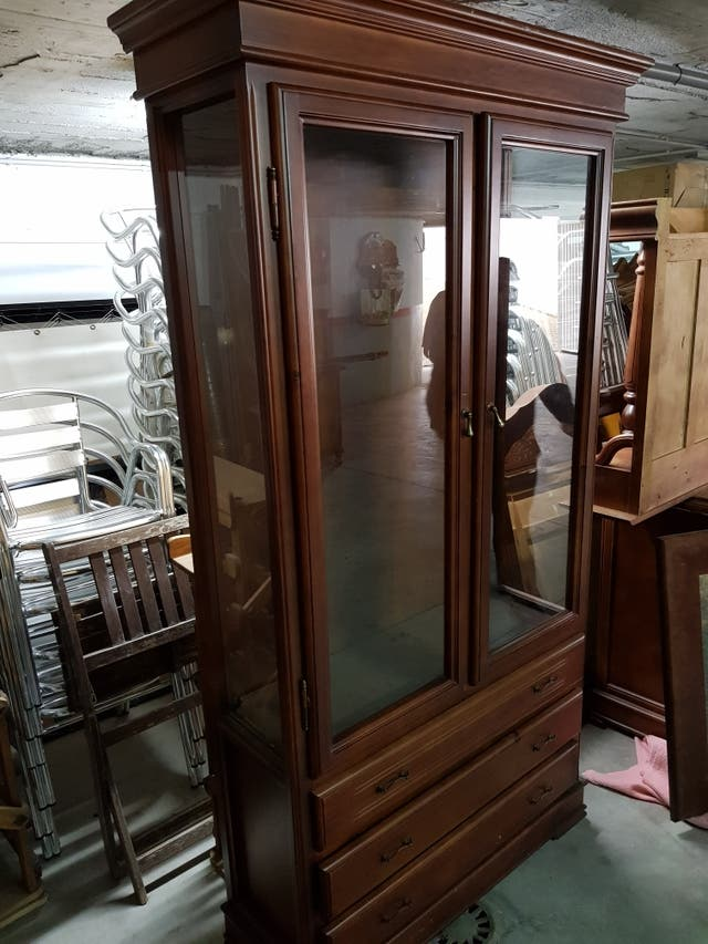 Vitrina mueble salon de segunda mano por 180 en marbella - Muebles salon segunda mano malaga ...