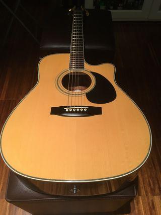 Guitarra acústica takamine EG-334-C