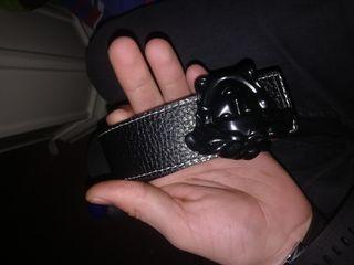 cinturón.. Versace