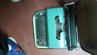 Máquina de escribir en perfecto estado