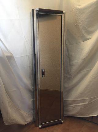 Espejo y mueble de baño