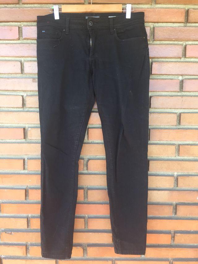 Pantalon negro 44