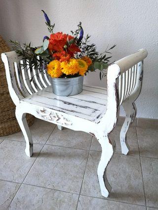 Butaca, descalzadora, silla o sillón restaurado