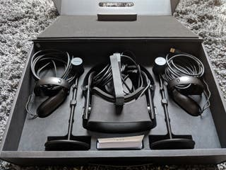 Oculus Rift Touch Controllers Bundle