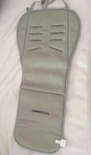 Colchoneta protectora silla bebe