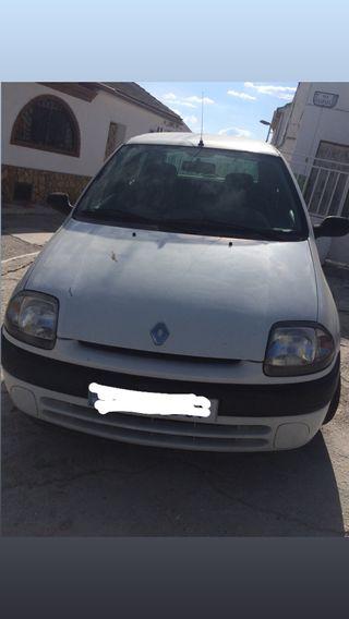 ¡¡¡Renault Clio 2002!!!