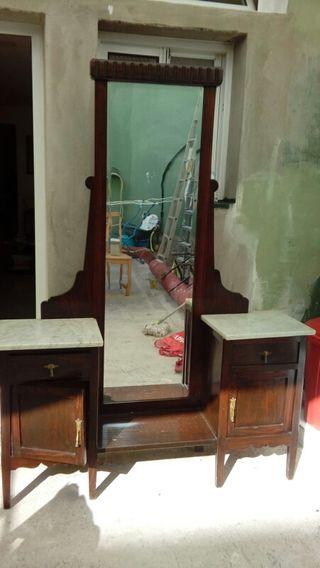 Mueble antiguo coleccionista