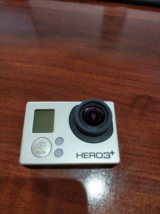 GoPro Hero3+ Con muchos accesorios.
