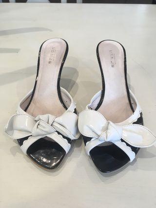 10 Sandalia Con Charol Mano Negro De Segunda Lazo Couplé Blanco Por QrCthdxsB