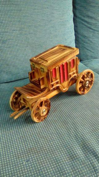 Carruaje de madera