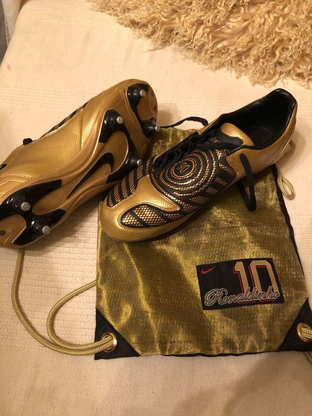 0453989dafcc4 Nike Total 90 Botas Doradas + Ronaldinho bag shoe de segunda mano ...