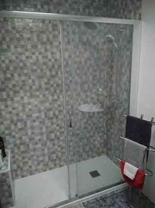 duchavip.cambiamos bañera por plato de ducha