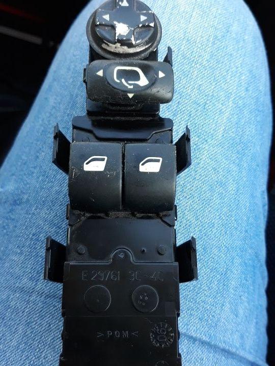botonera Peugeot puerta piloto