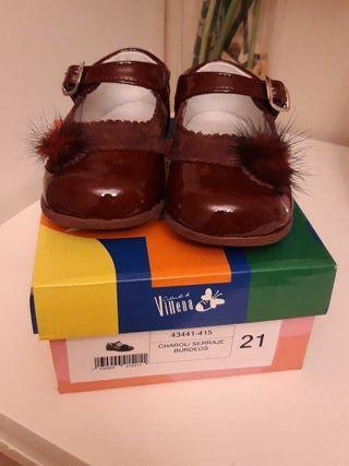 zapatos número 21, d'bebé, color burdeos