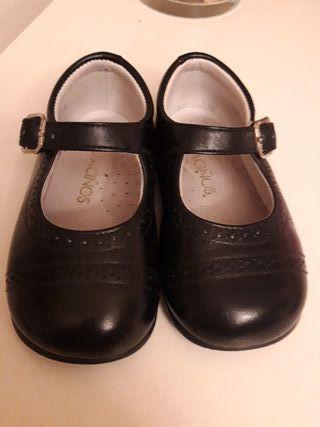 Zapatos piel azul marino número 21