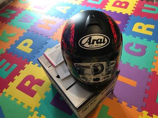 Casco ARAI decoración COMET RED