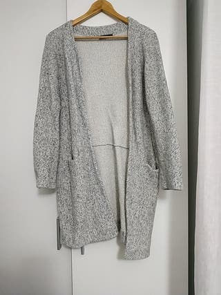 chaqueta zara gris