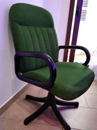 Buena Silla despacho , oficina, estudio.