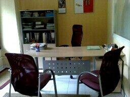 mesa de despacho + armario