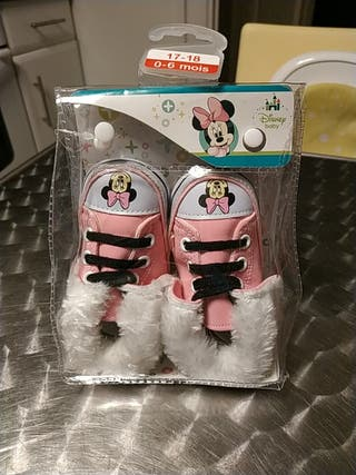 chaussons minnie disney 0-6mois neuf