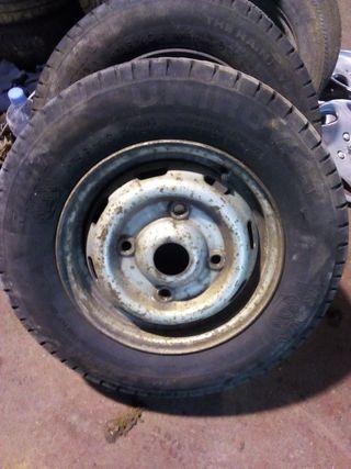 neumáticos con llanta para Renault trafic antigua.