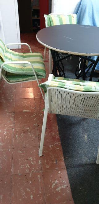 mesa con 4 sillas jardín