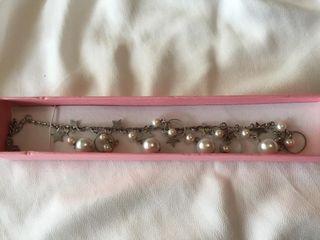 389610ae9a28 Pulsera de perlas de segunda mano en Málaga en WALLAPOP