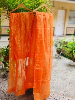Par de Cortinas de ikea naranja