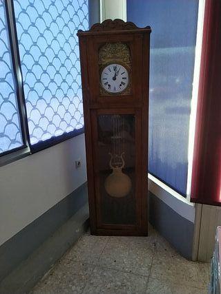 Reloj de pie.