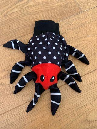 Marioneta guante araña
