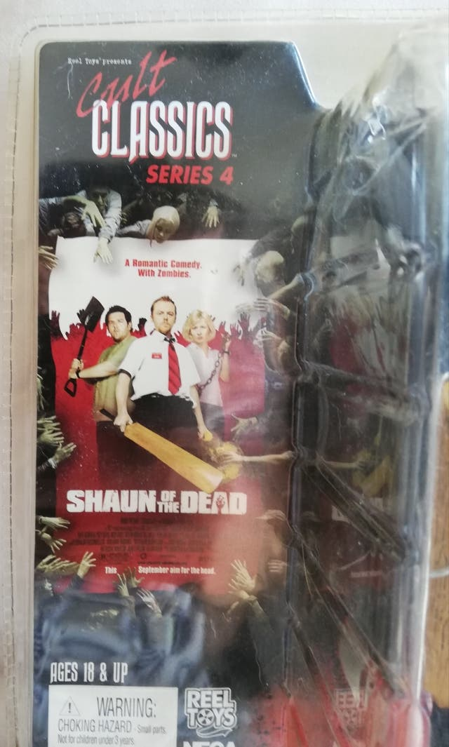 "Figura ""Shaun of the Dead"". NECA (CULT CLASSICS)"