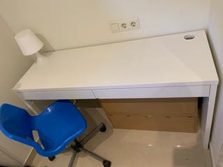 Mueble de escritorio + silla