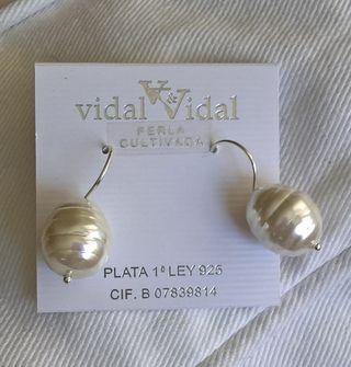 4a25679e1caf Pendientes con perlas cultivadas de segunda mano en Madrid en WALLAPOP