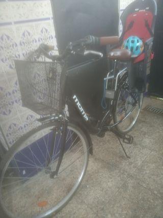Bicicleta paseo con porta infantil