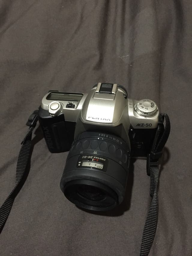 Cámara réflex analógica pentax Mz-50
