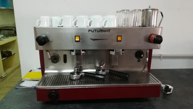maquina café Futurmat 2s + descalcificador