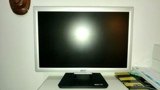 Pantalla acer LCD ordenador con cables
