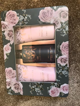 BAYLISS & HARDING LADIES BEAUTY SET