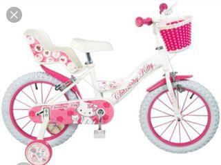 Bicicleta Hello Kitty en muy buen estado.