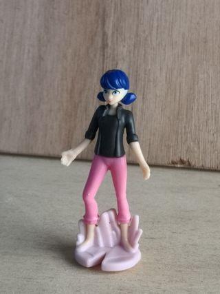 Figurita Marinette Huevo Kinder