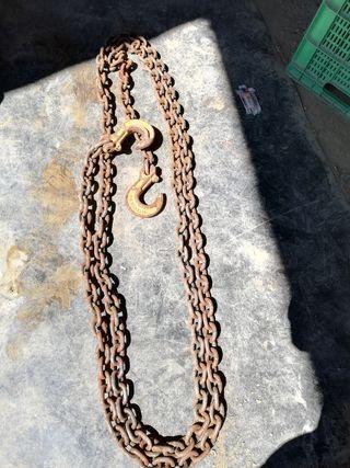 cadena con ganchos muy fuerte