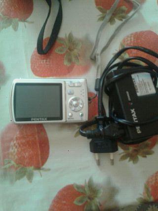 dos cámaras digitales