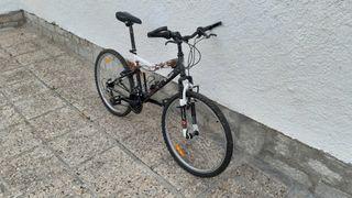Bicicleta de montaña B-Twin