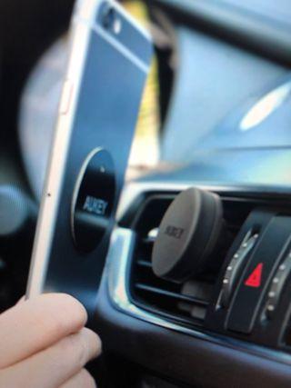 Soporte móvil coche magnético