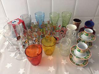 Lote de vasos y tazas