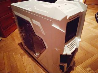 PC Sobremesa + ratón steelseries