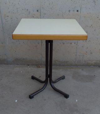 Taula bar 60x60cm