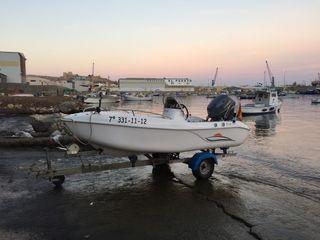 Barco Voraz 385 con 25cv 4t